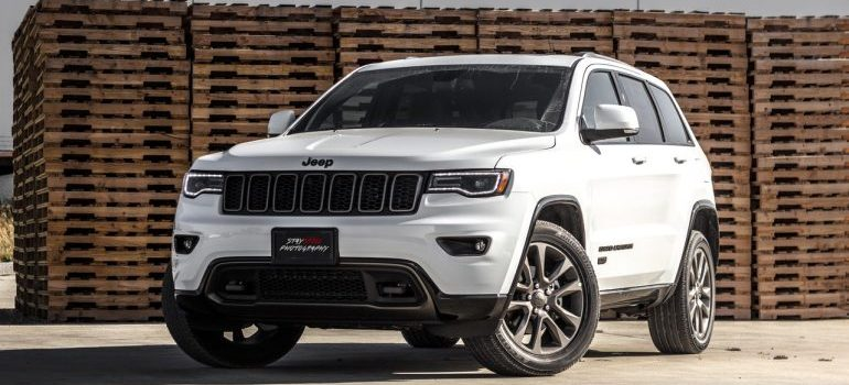 White Jeep - get auto transportation Chicago to help you relocate your care