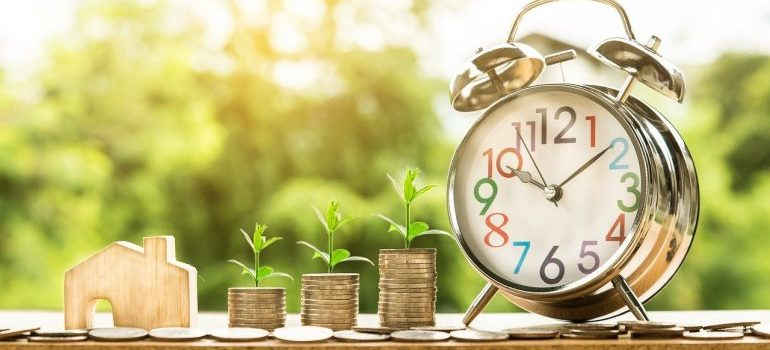 money and clock - things to think about when Buying a property in Park Ridge IL