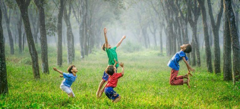 children enjoying the summertime advantages