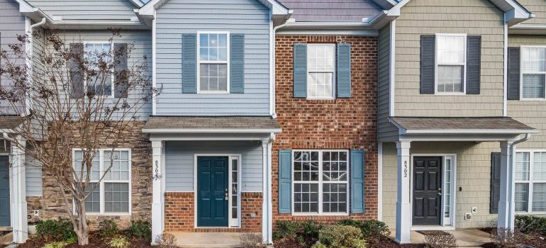Finding a family home in Des Plaines.