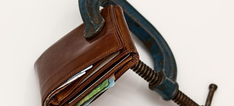 squeezing wallets
