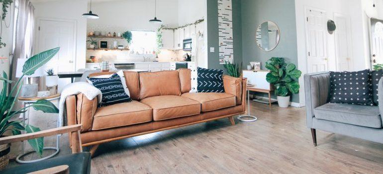 A pretty living room
