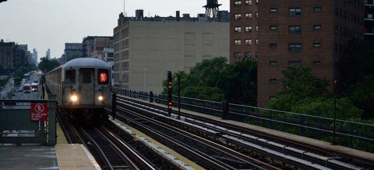 l train - get around Chicago